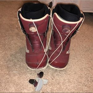 Vans women's snowboard boots size 8 Aura